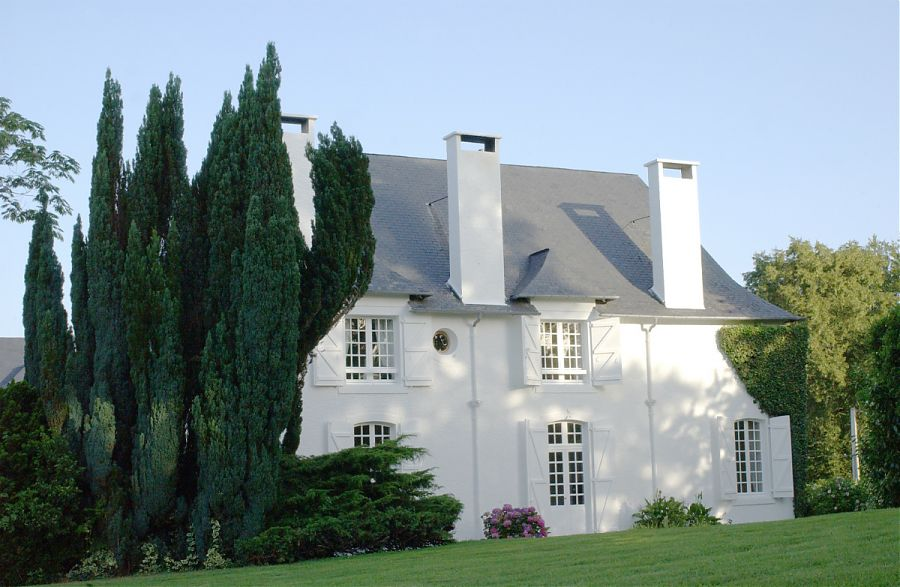 Clos Mirabel Manor House and gardens.