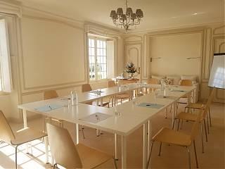 Elegant meeting room in the Manor House, Clos Mirabel, Jurançon, Pau.
